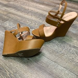 DE BLOSSOM COLLECTION STRAPPY WEDGE SANDALS